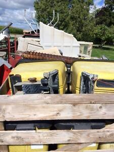 jd 7200 insecticide boxes,jd 7000 fertilizer augers London Ontario image 2