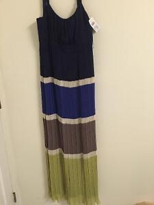 BCBG, Beautiful New Blue Navy pleated long dress Gatineau Ottawa / Gatineau Area image 3