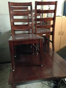 Reduced/Table and chairs Windsor Region Ontario image 6