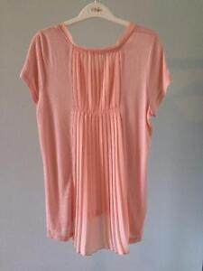 6 Pink and White Tops, Good Condition Comox / Courtenay / Cumberland Comox Valley Area image 3