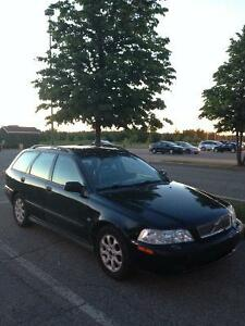 2002 Volvo V40 w/Sunroof Wagon