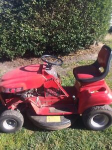 Cox Ride on Mower Oberon Oberon Area Preview