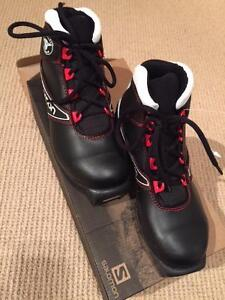Salomon Team Junior Classic XC Ski Boots USA sz 3.5