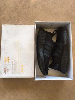 Adidas NMD triple black size US8