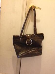 im selling some of my purses because i have too many London Ontario image 5