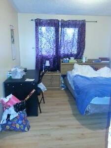 Furnishe room for rent on 2nd floor, Queen/ Kennedy, FEMALE ONLY