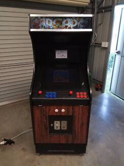 Upright Arcade Machine MAME with LCD 6 button 2 player