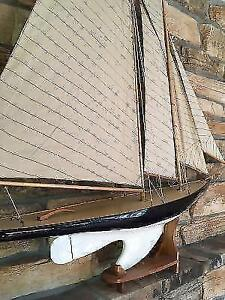 Sailboat decor in like new condition London Ontario image 5