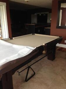GORGEOUS CUSTOM MADE POOL TABLE - BRAND NEW CONDITION