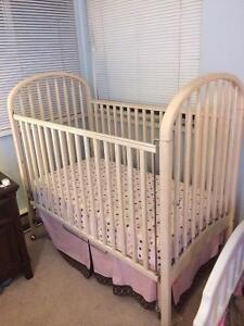 Little Folks crib plus mattress and beddings