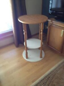 TABLE STAND - ROUND