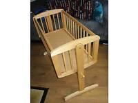 Mothercare swinging crib good condition