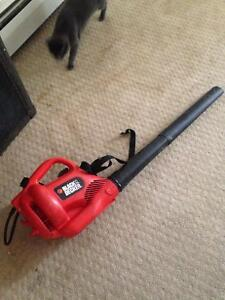 Black and decker electric leaf blower works great $25