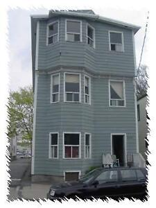 2 MONTHS FREE RENT 3 BEDROOM APARTMENT ON CLIFTON STREET
