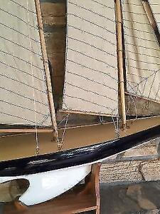 Sailboat decor in like new condition London Ontario image 2