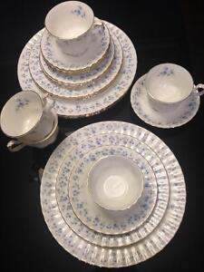 Royal Albert - Memory Lane - 4 place settings - Bone China