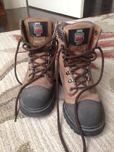 Women's size 6 steel toed work boots