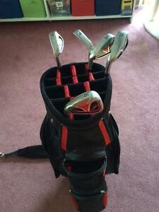 Left Handed Bomb Iron Set And Bag