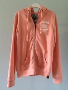 6 Pink and White Tops, Good Condition Comox / Courtenay / Cumberland Comox Valley Area image 7