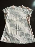 Lululemon floral pink and grey cotton tshirt sz 6-8