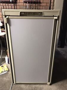 Dometic 3 way fridge 150L RM2553 2007 Safety Bay Rockingham Area Preview