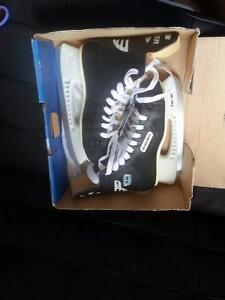 Never before used hockey skates for $15.Size 9- Male.Size11-F