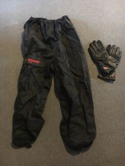 Wet weather motor bike pants and gloves (Dryrider) South Penrith Penrith Area Preview