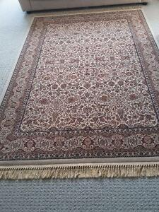 Persian carpet area rug beige patterned Like new condition