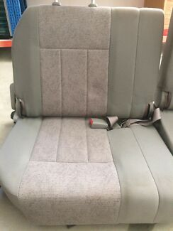 Toyota landcruiser 100 seats