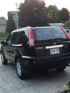 2005 Nissan SUV, very clean car. With set of winters Cambridge Kitchener Area image 3