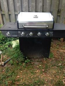 Selling my 4 year old bbq