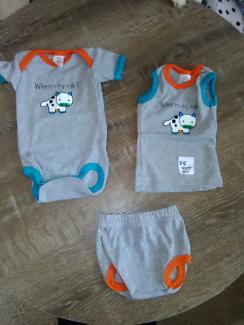 Brand New Baby set size 00
