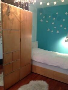 ***3 PIECE BEDROOM SET- LOTS OF STORAGE***