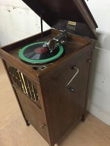 Brunswick Phonograph and solid vinyl records