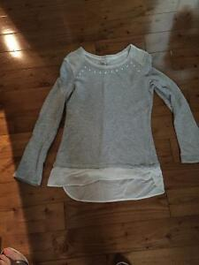 Small lot of women's clothing