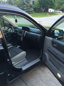 2005 Nissan SUV, very clean car. With set of winters Cambridge Kitchener Area image 4