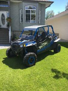 RZR 900 Jagged X 4 seater