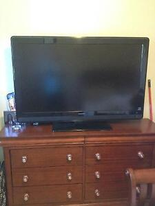 Broken 52' Philips tv for sale