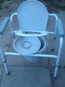 Excellent condition Commode
