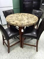 Monttbello dining set w/ 4 chairs