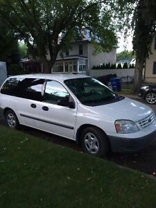 2005 minivan Ford freestart Exelent condition