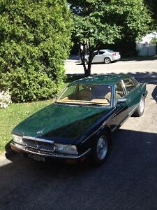 Voiture de collection : Jaguar XJ6 Vanden Plas 1994