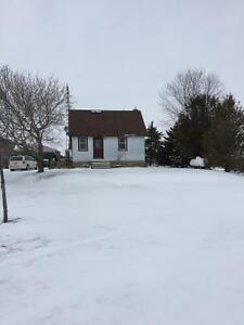 Small country house 5 mins south of Ingersoll