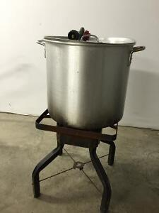 Outdoor propane cooker with pots