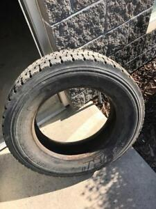 Six 225/70R19.5 Michelin XDS 2 Tires ( have 6 tires total )