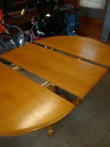"""oak pedestal table 48"""" Stratford Kitchener Area image 4"""