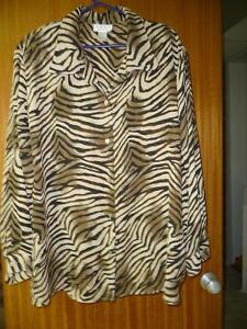 LADIES BLOUSES 2 XL 3 XL North Shore Greater Vancouver Area image 6