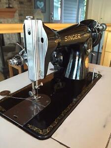 Singer Sewing machine Model 15-90 - Works Great!