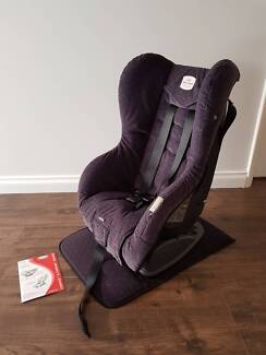 Britax Safe-n-Sound Compaq Deluxe Child Car Seat