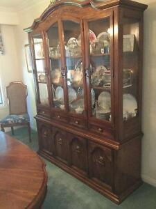 Dining room Table Chairs and China cabinet Kitchener / Waterloo Kitchener Area image 4